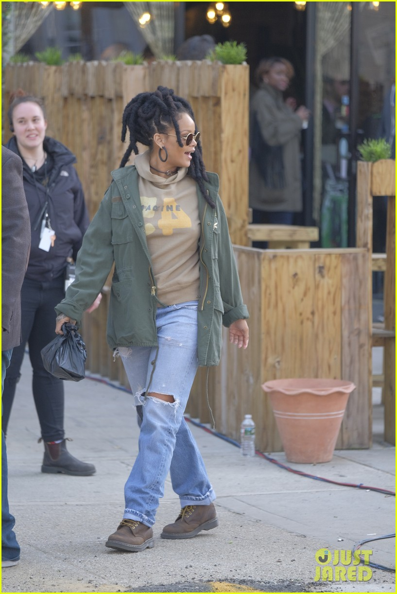 rihanna re shoots oceans eight set 153895238