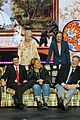 roseanne cast reunites at abc unfronts 03