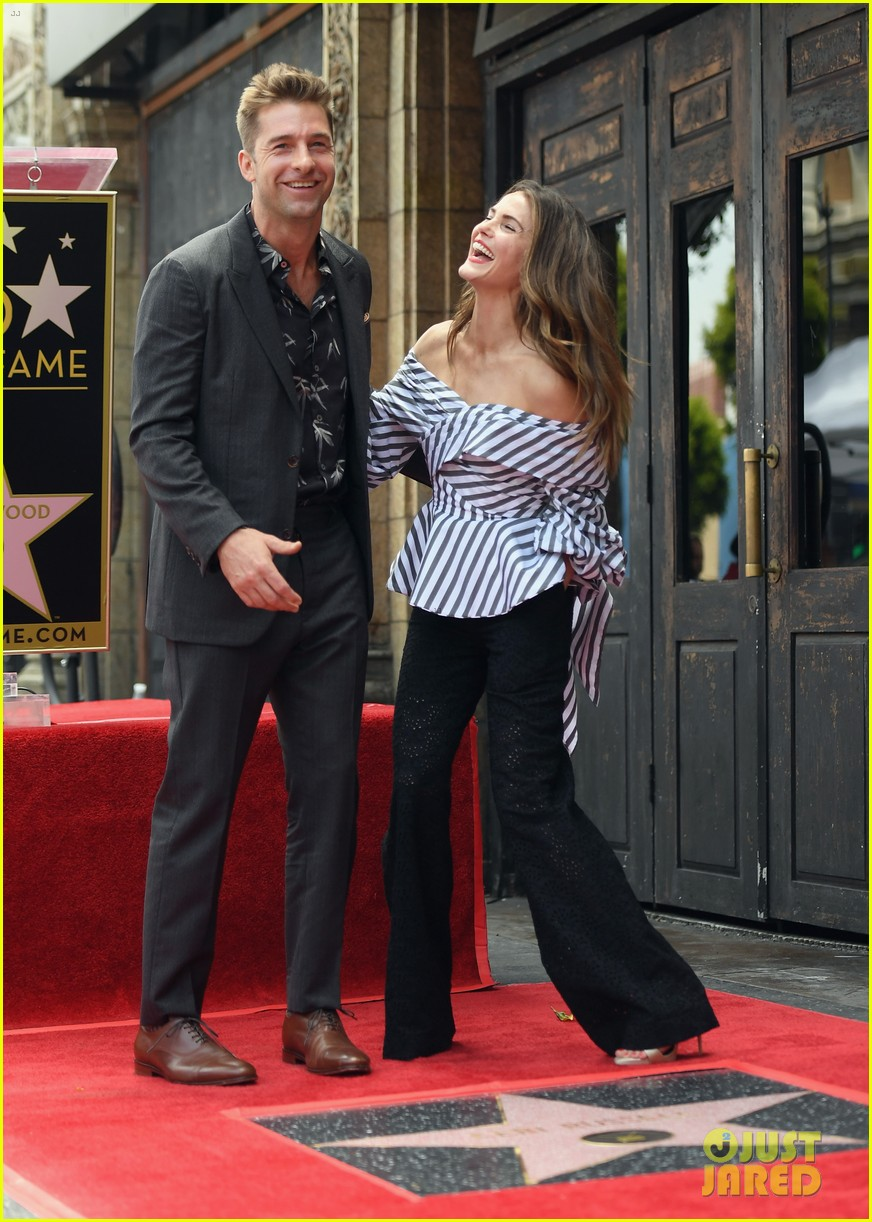 keri russell reunites with scott speedman at hollywood walk of fame 033907117