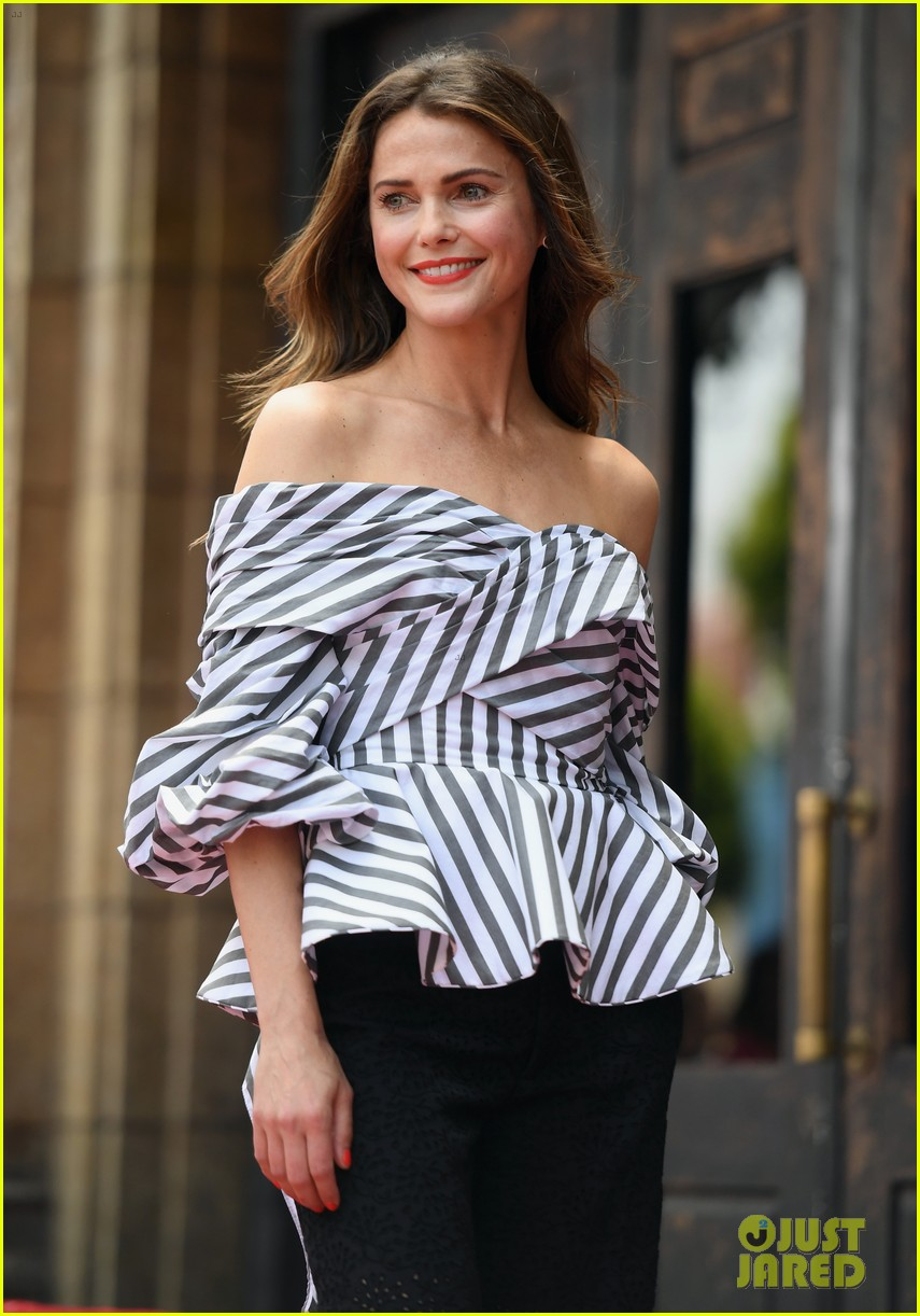 keri russell reunites with scott speedman at hollywood walk of fame 203907134