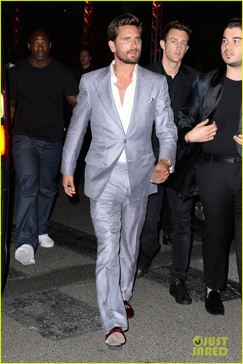 Scott Disick Parties at Cannes Nightclub Sans Bella Thorne ...
