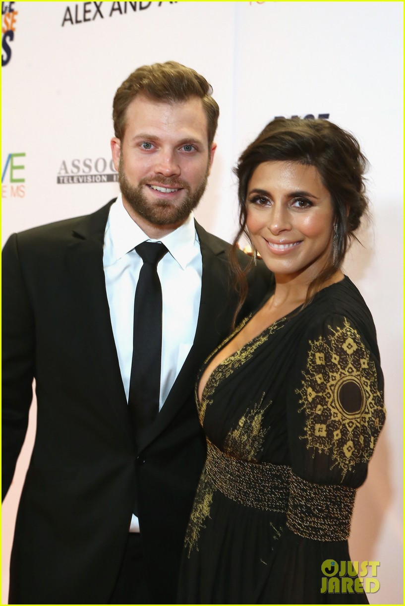 jamie lynn sigler is supported by husband cutter dykstra023895603