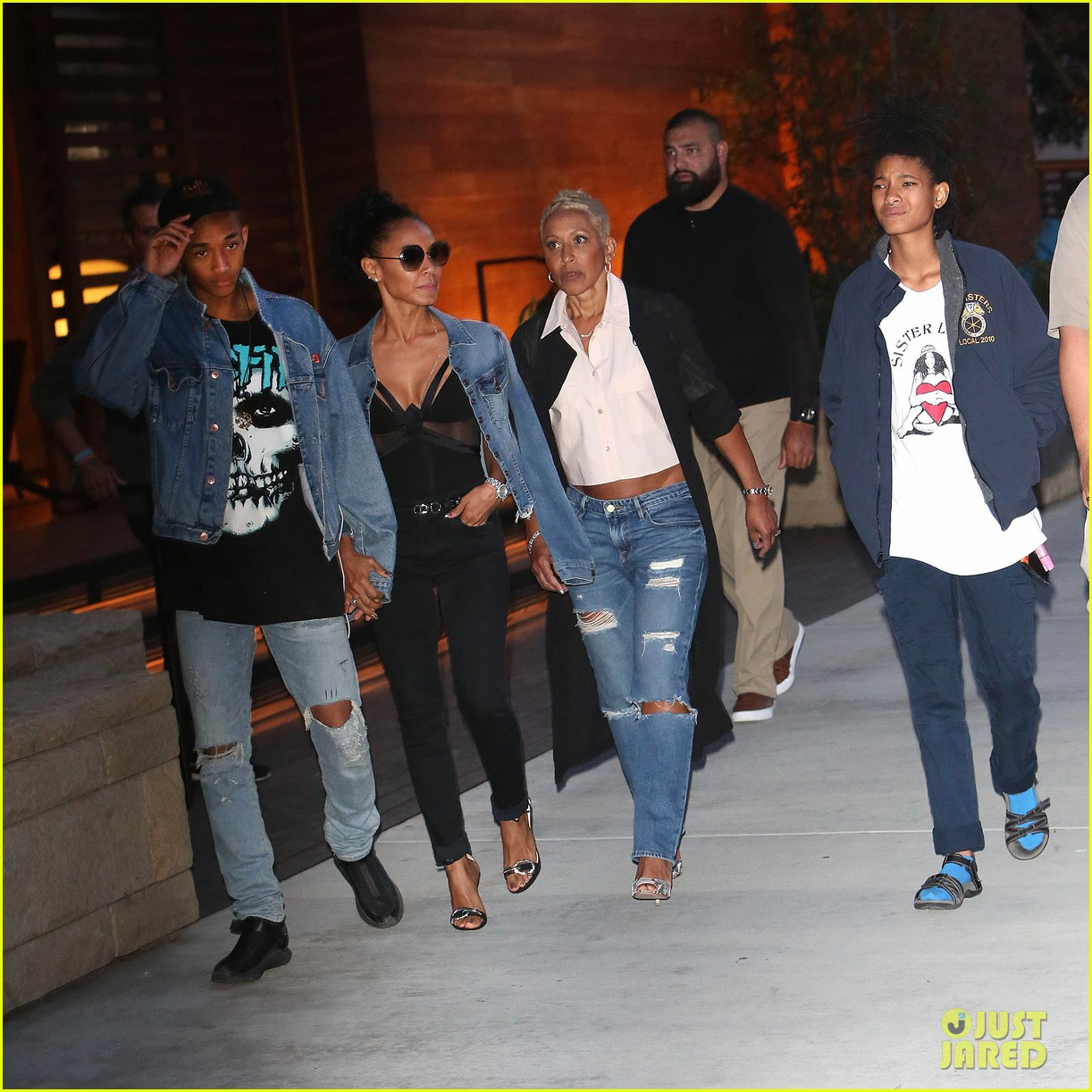 Jada Pinkett Smith Grabs Mother's Day Dinner with Willow ...