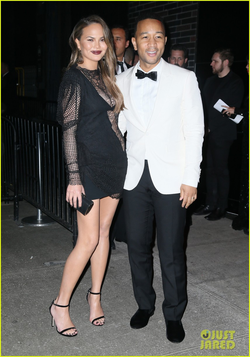 chrissy teigen and john legend meet