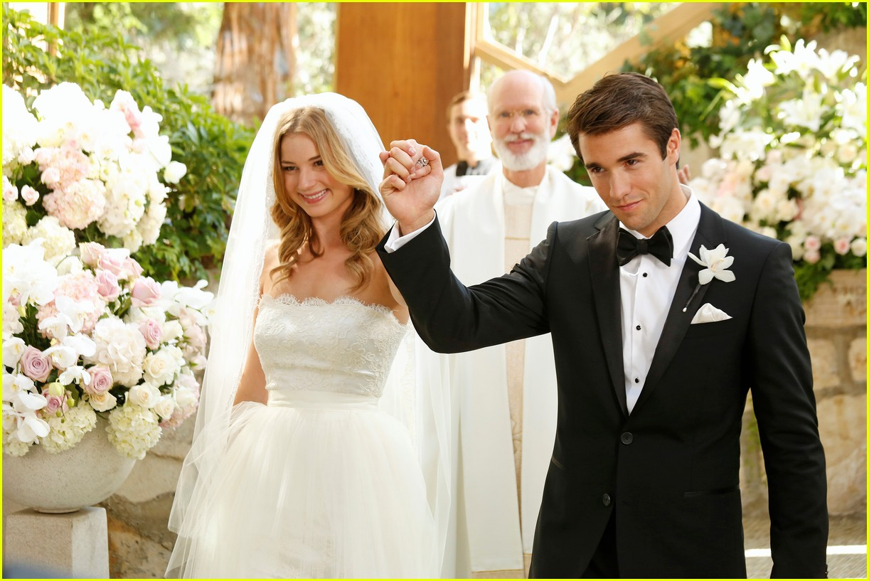 Relive Emily VanCamp & Josh Bowman's Wedding on 'Revenge ...