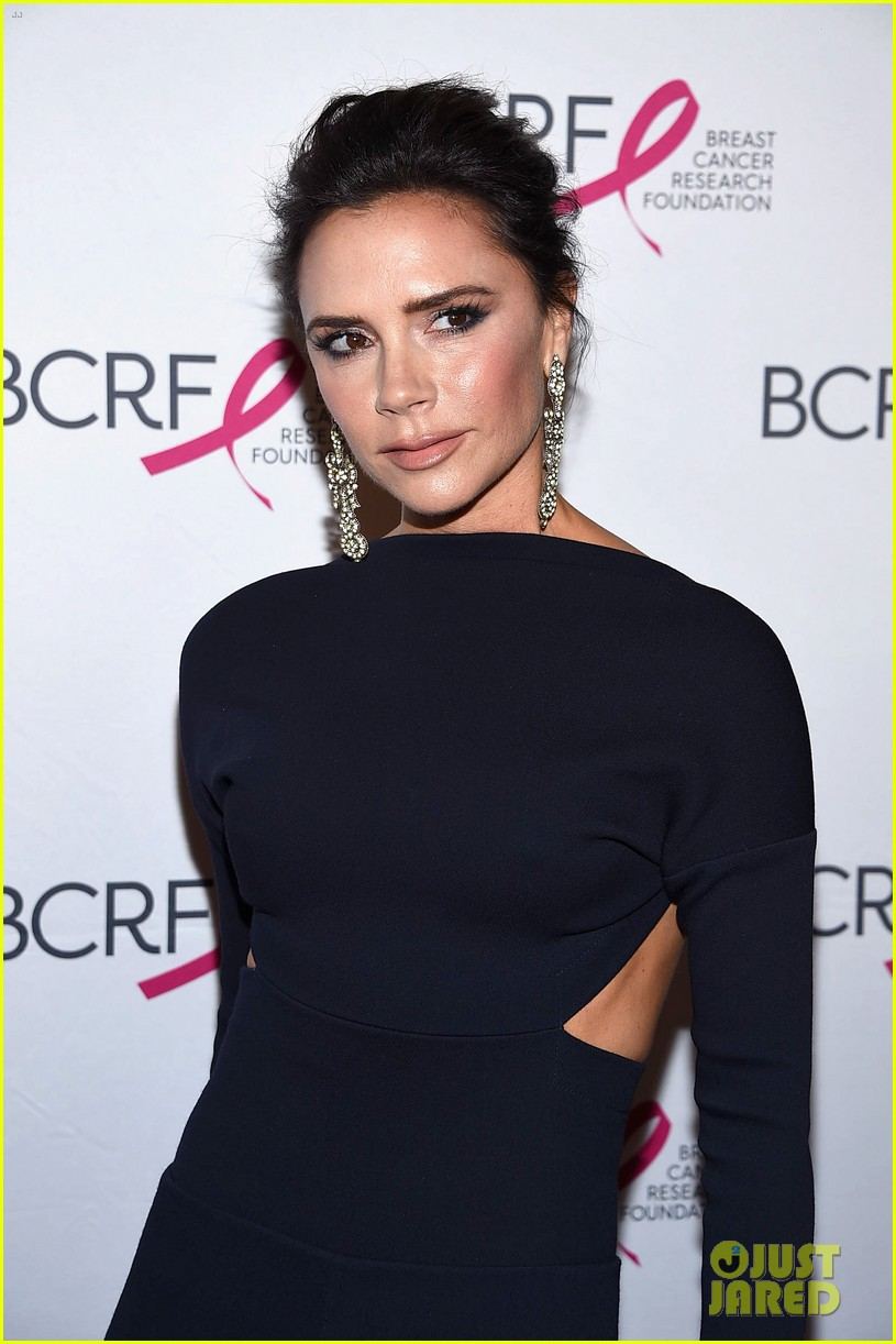 victoria beckham elizabeth hurley breast cancer research gala 043898237