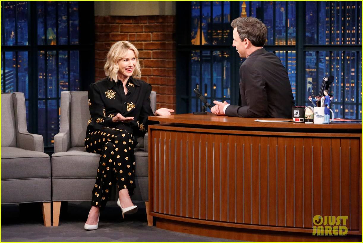 naomi watts gets warnings from david lynch not to share twin peaks spoilers 053901406