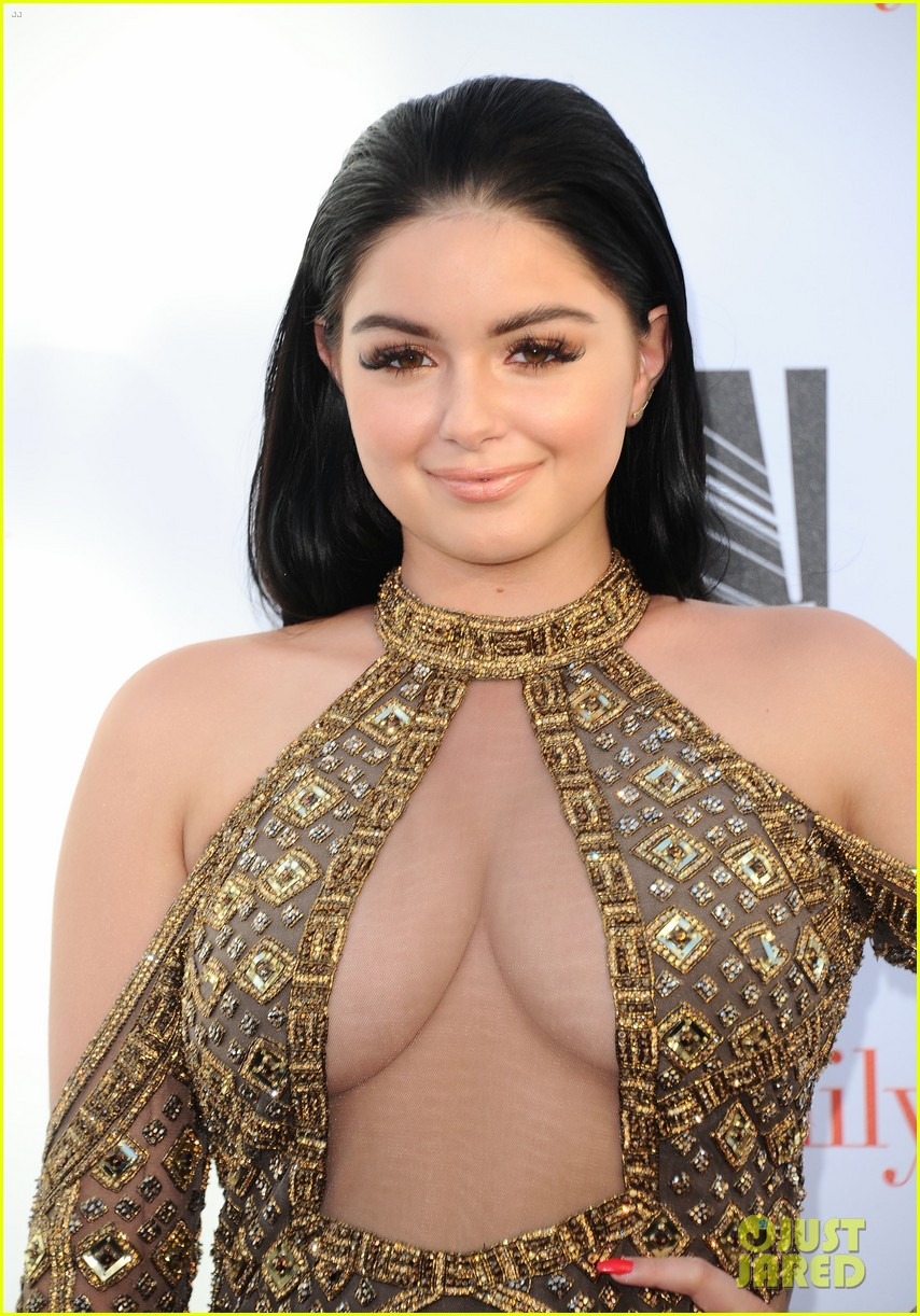 sofia vergara julie bowen praise ariel winter for confidence 023894962