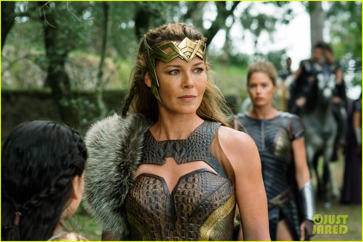 'Wonder Woman' Movie Stills - See More Than 50 Photos ...
