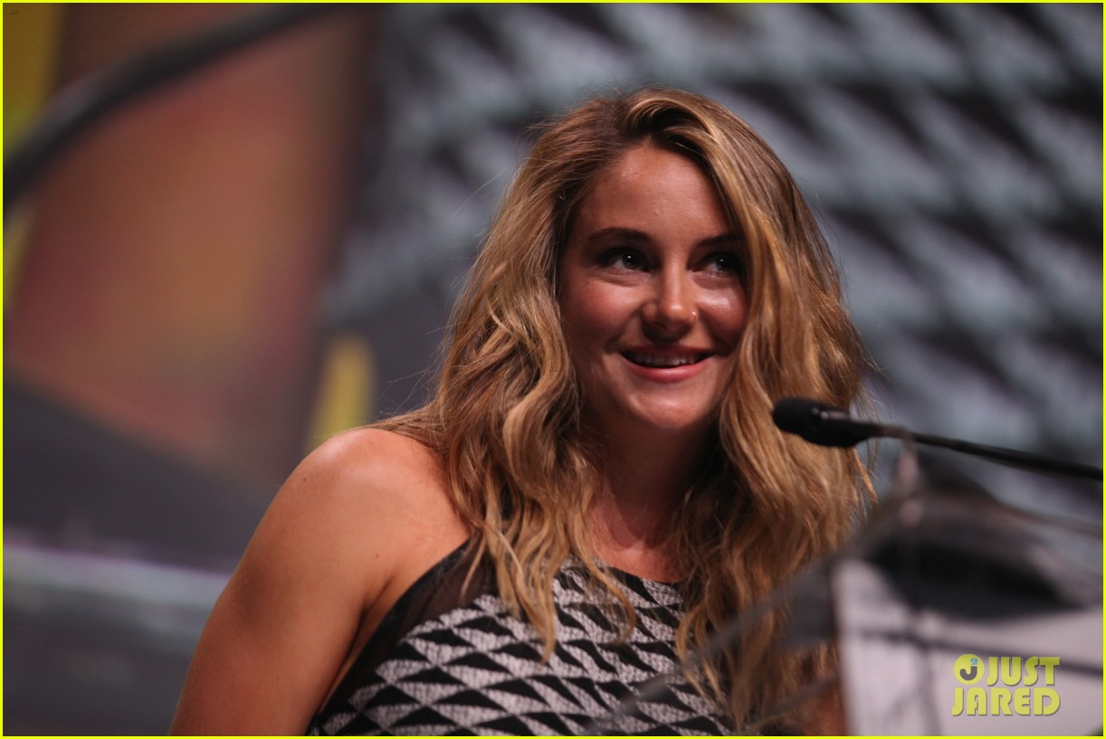 shailene woodley gets honored for her activism all were fighting for is love 053901589