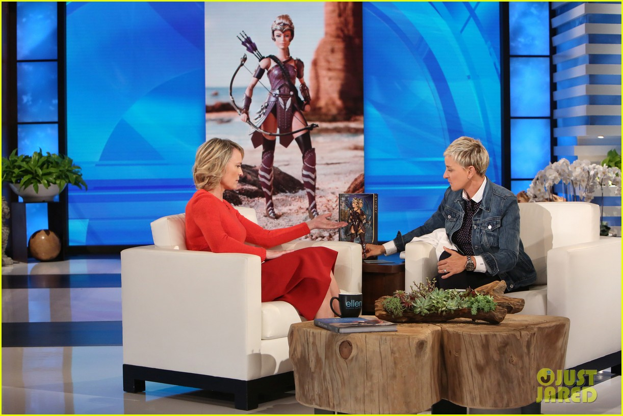 robin wright tells ellen shes shocked every morning by trump 013904241
