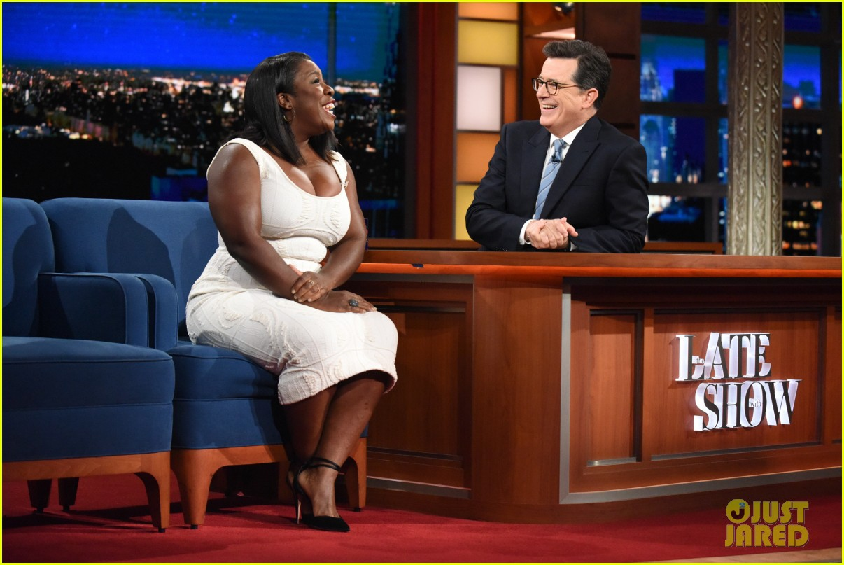 uzo aduba share inspiring bu commencement speech tips with stephen 033913834