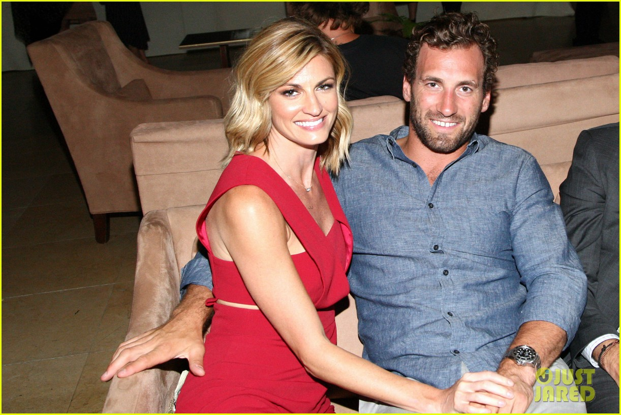 Dwts Host Erin Andrews Marries Hockey Player Jarret Stoll Photo