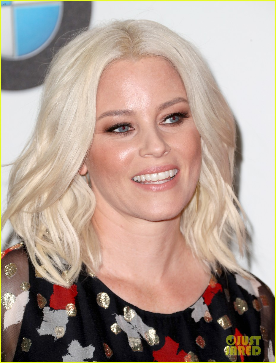 elizabeth banks apologizes for forgetting color purple 013915021