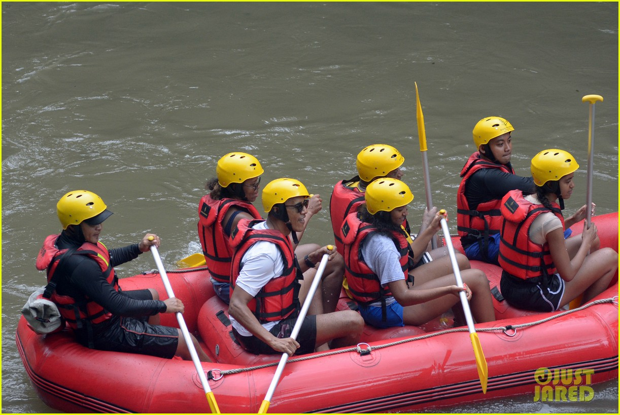barack obama and family go white water rafting 033920422