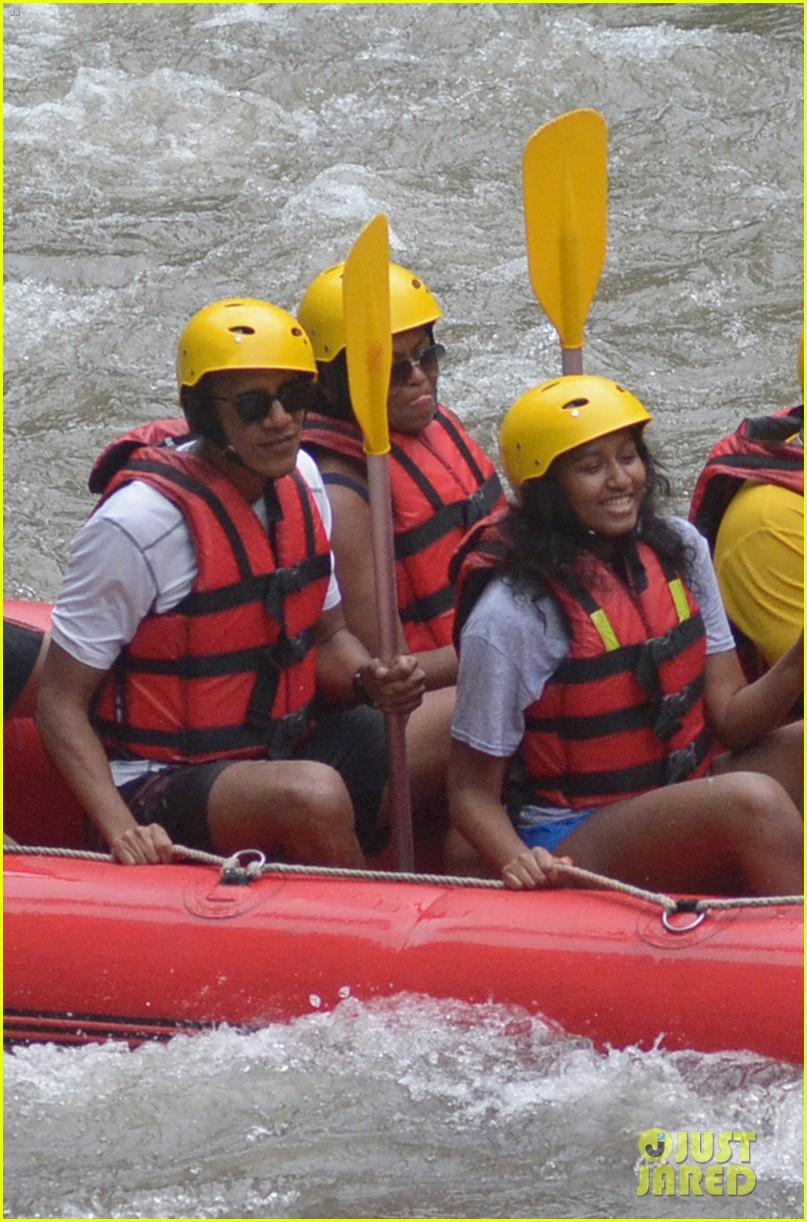 barack obama and family go white water rafting 043920423