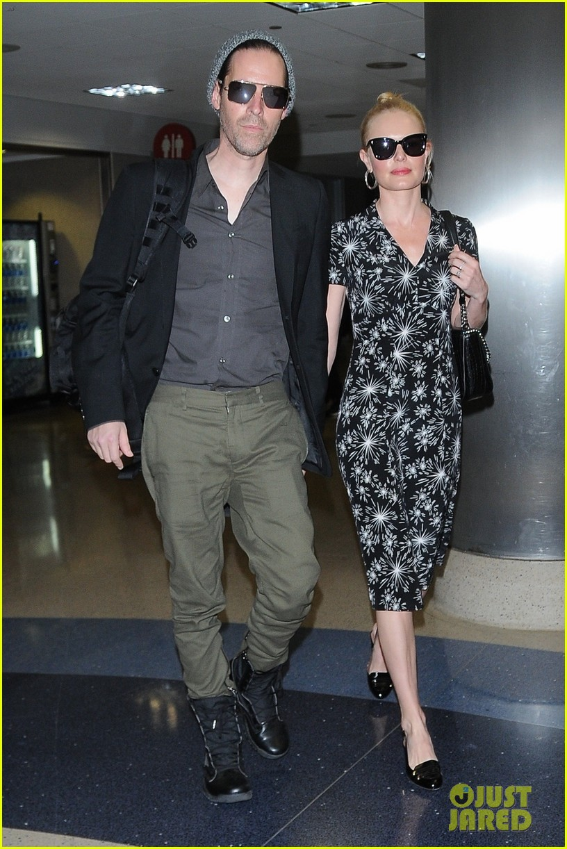 kate bosworth and husband michael polish are smitten at lax 033915958