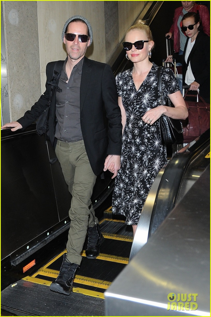 kate bosworth and husband michael polish are smitten at lax 053915960