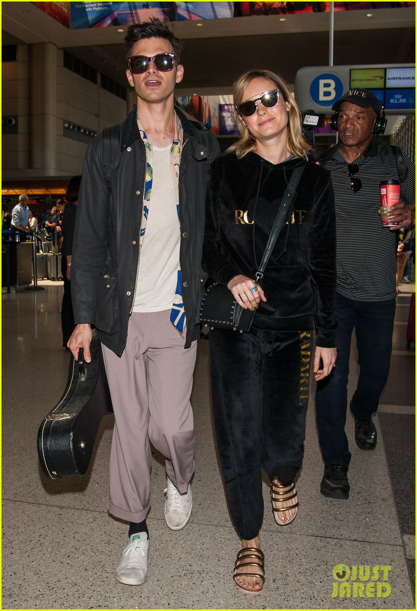 brie larson fiance alec greenwald couple up at lax 013922138