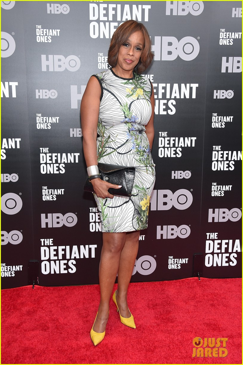 priyanka chopra steps out in style for the defiant ones new york premiere 083921058