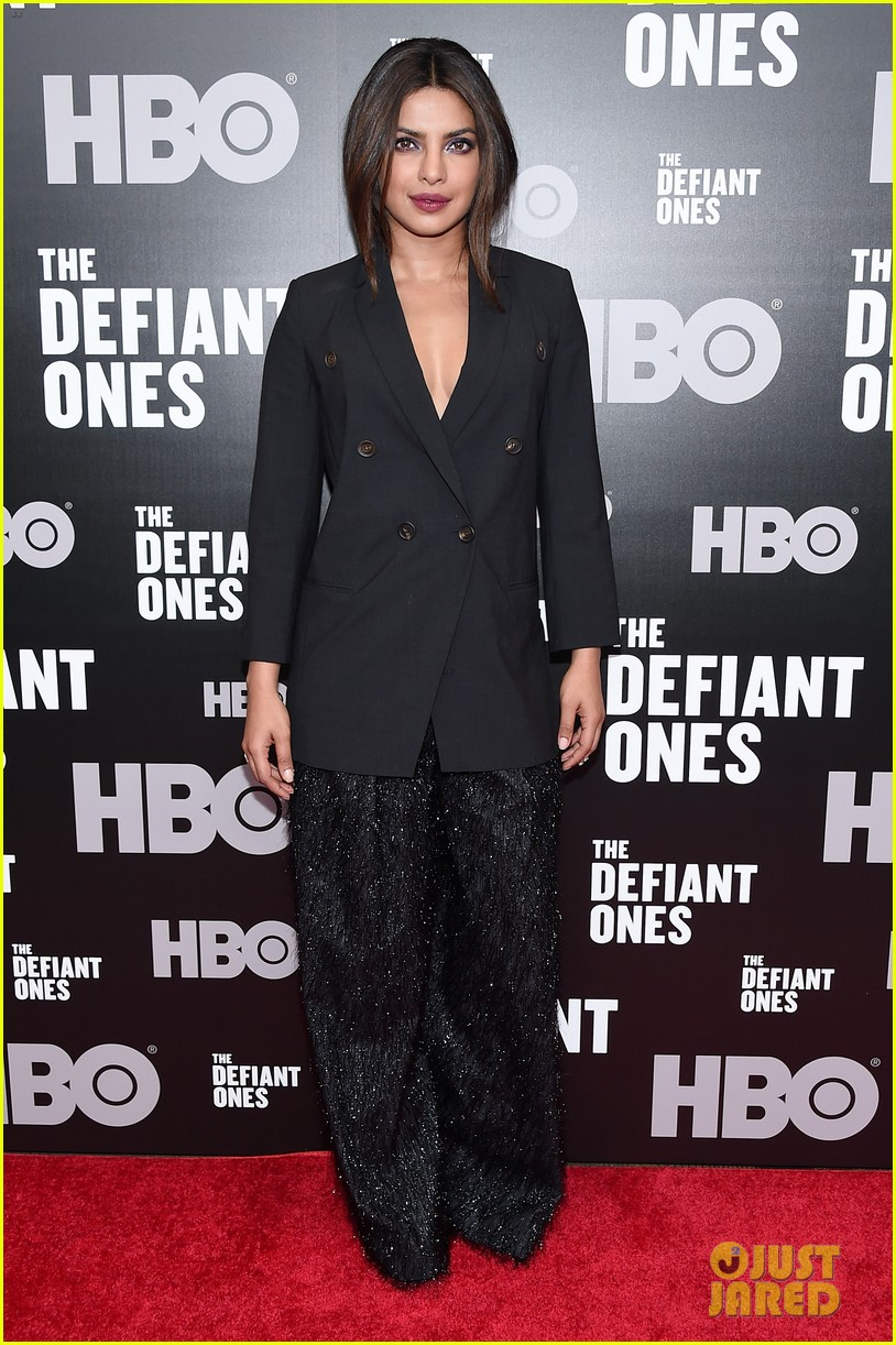 priyanka chopra steps out in style for the defiant ones new york premiere 143921064