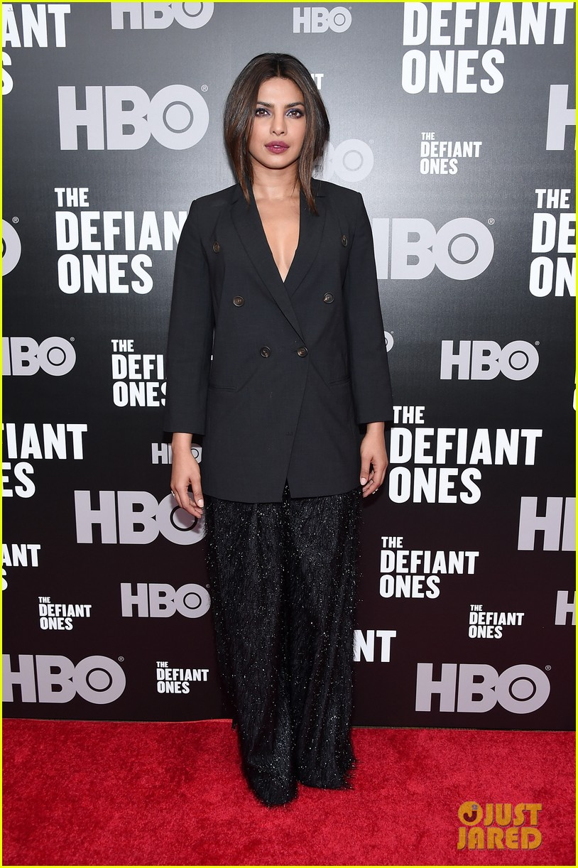priyanka chopra steps out in style for the defiant ones new york premiere 183921068