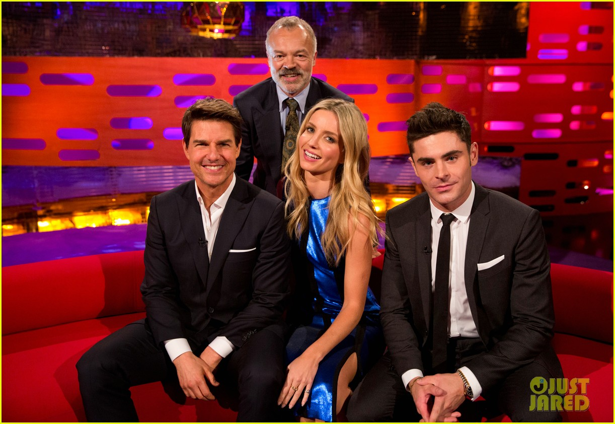 tom cruise and zac efron bring the laughs to graham norton show 033908056