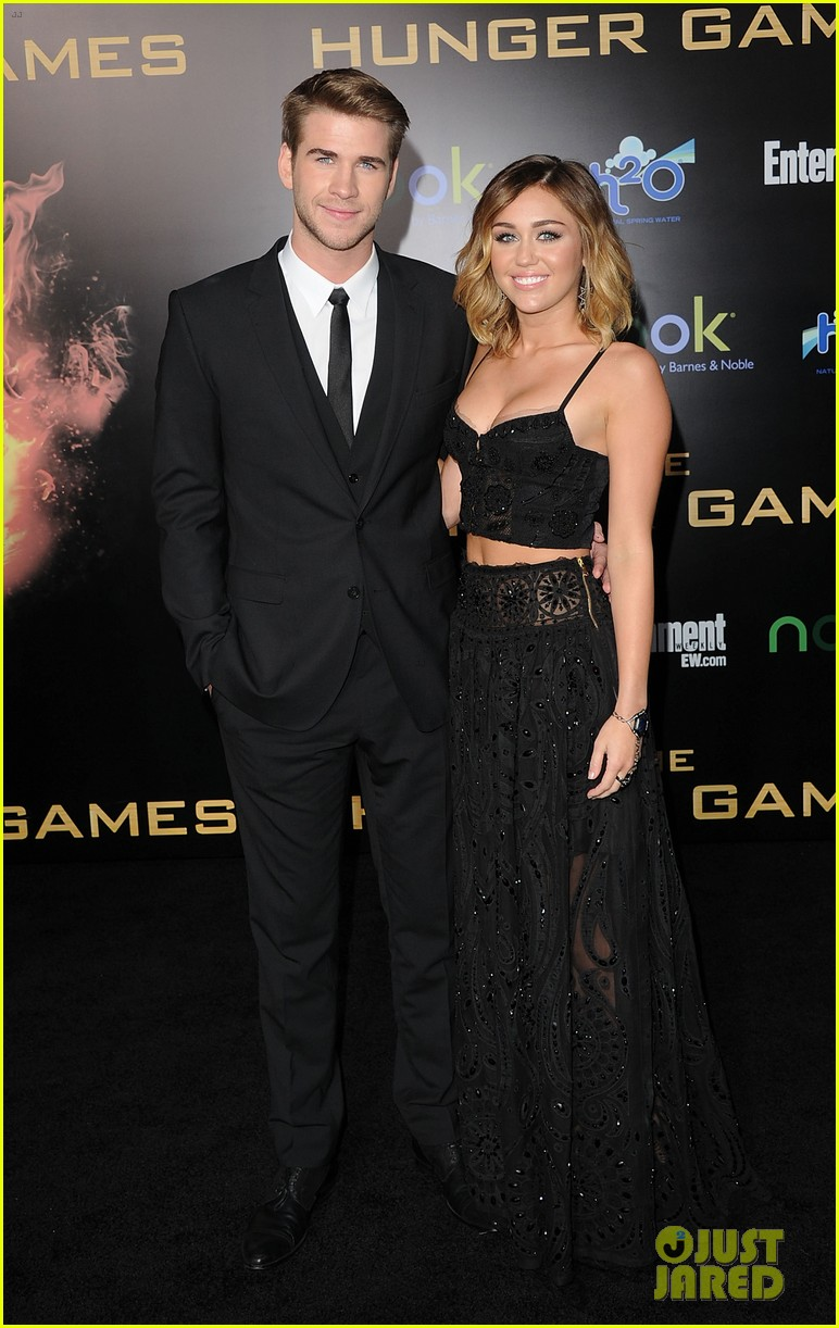 Miley Cyrus' Mom Tish Talks Liam Hemsworth Wedding Plans ...   772 x 1222 jpeg 195kB