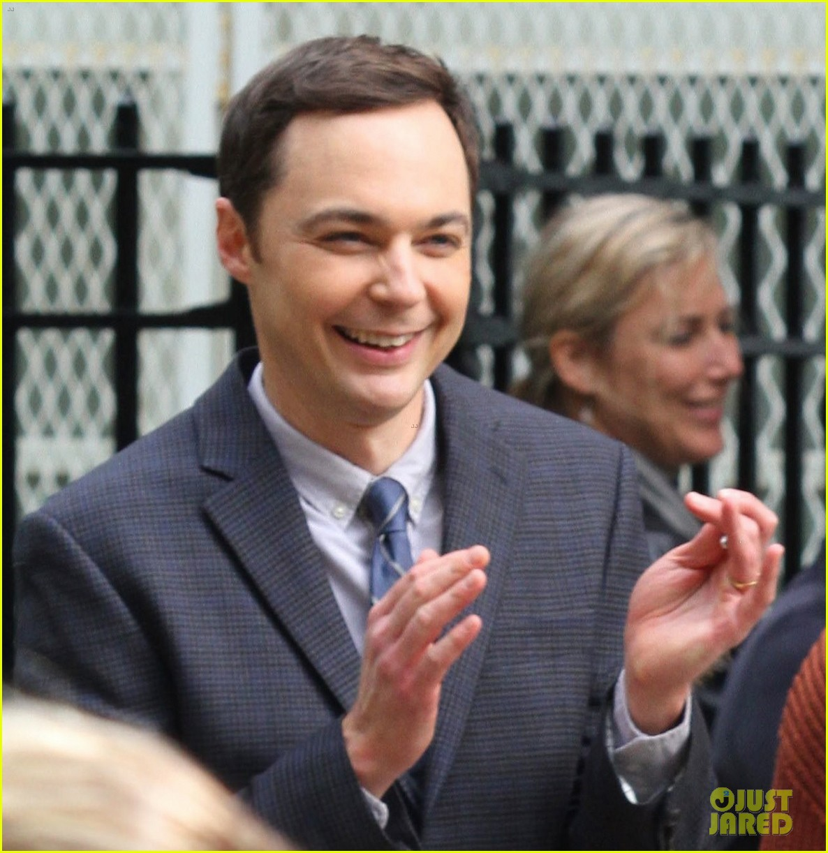 claire danes and jim parsons share lots of laughs on a kid like jake set 013921659