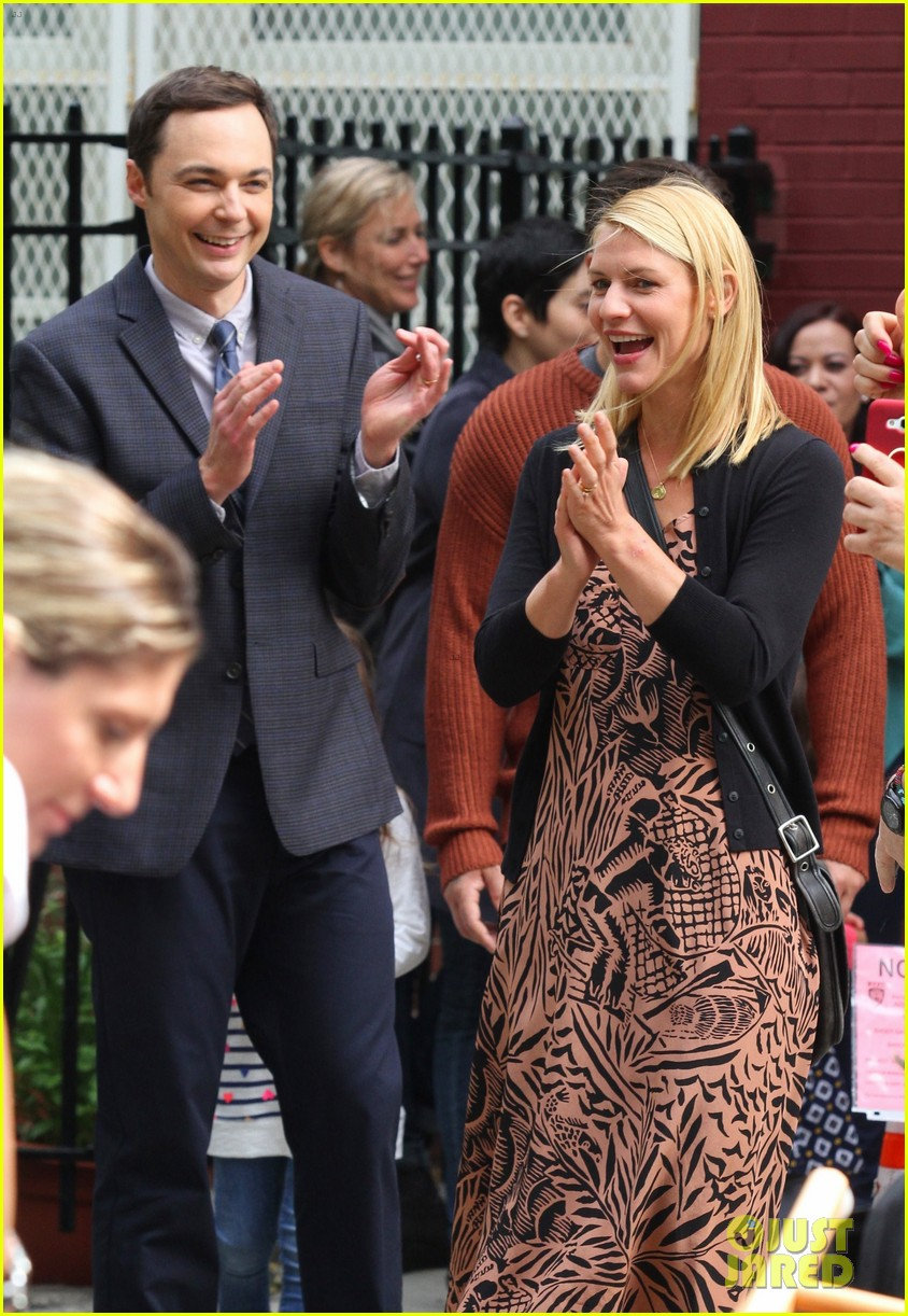 claire danes and jim parsons share lots of laughs on a kid like jake set 033921661