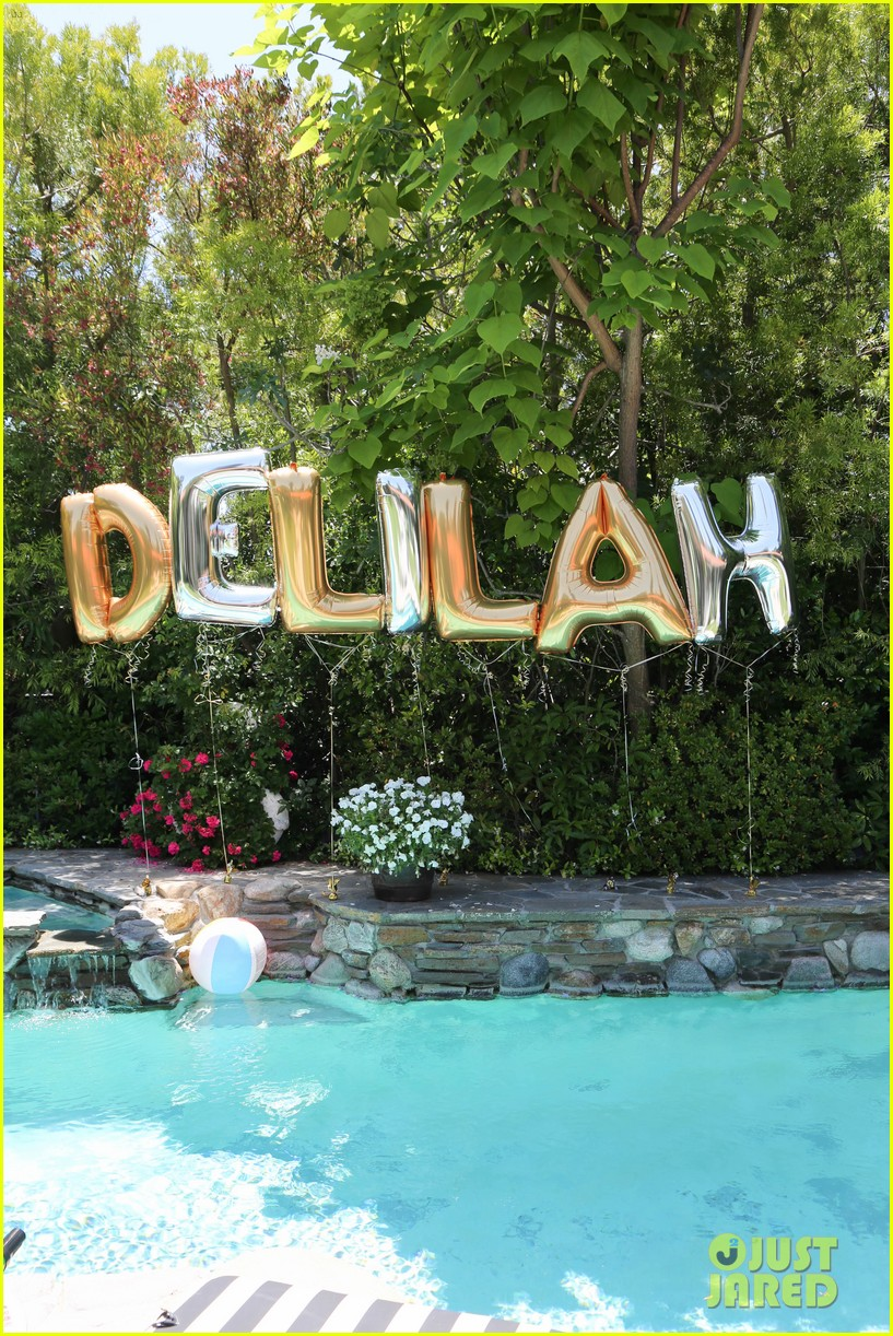 delilah belle hamlin celebrates 19th birthday with her boyfriend aidan reilly 143914213