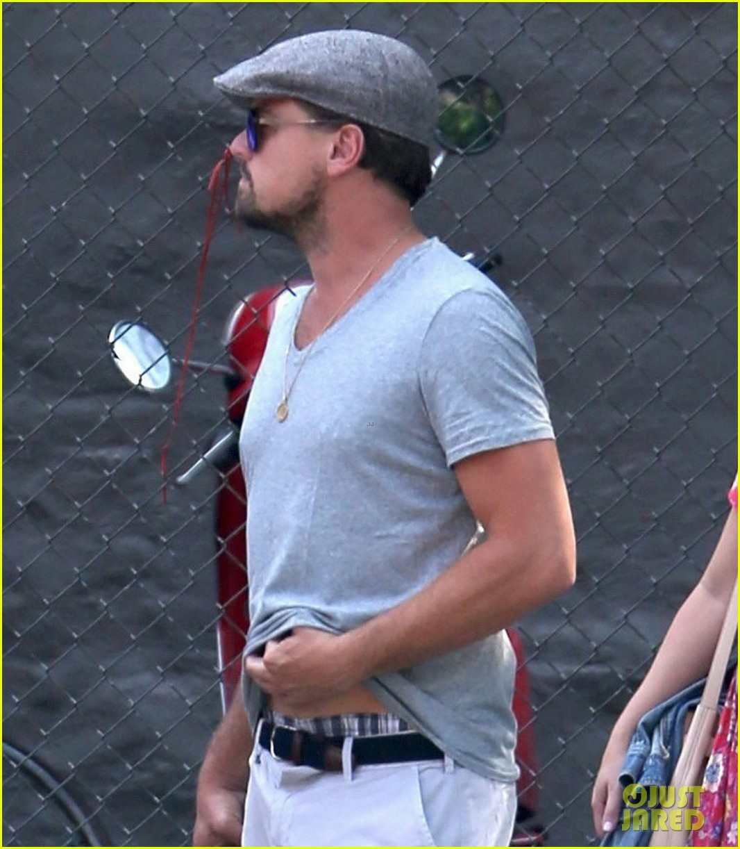 leonardo dicaprio hangs out with jennifer meyer 023914162
