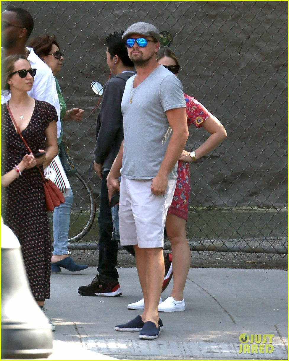 leonardo dicaprio hangs out with jennifer meyer 033914163