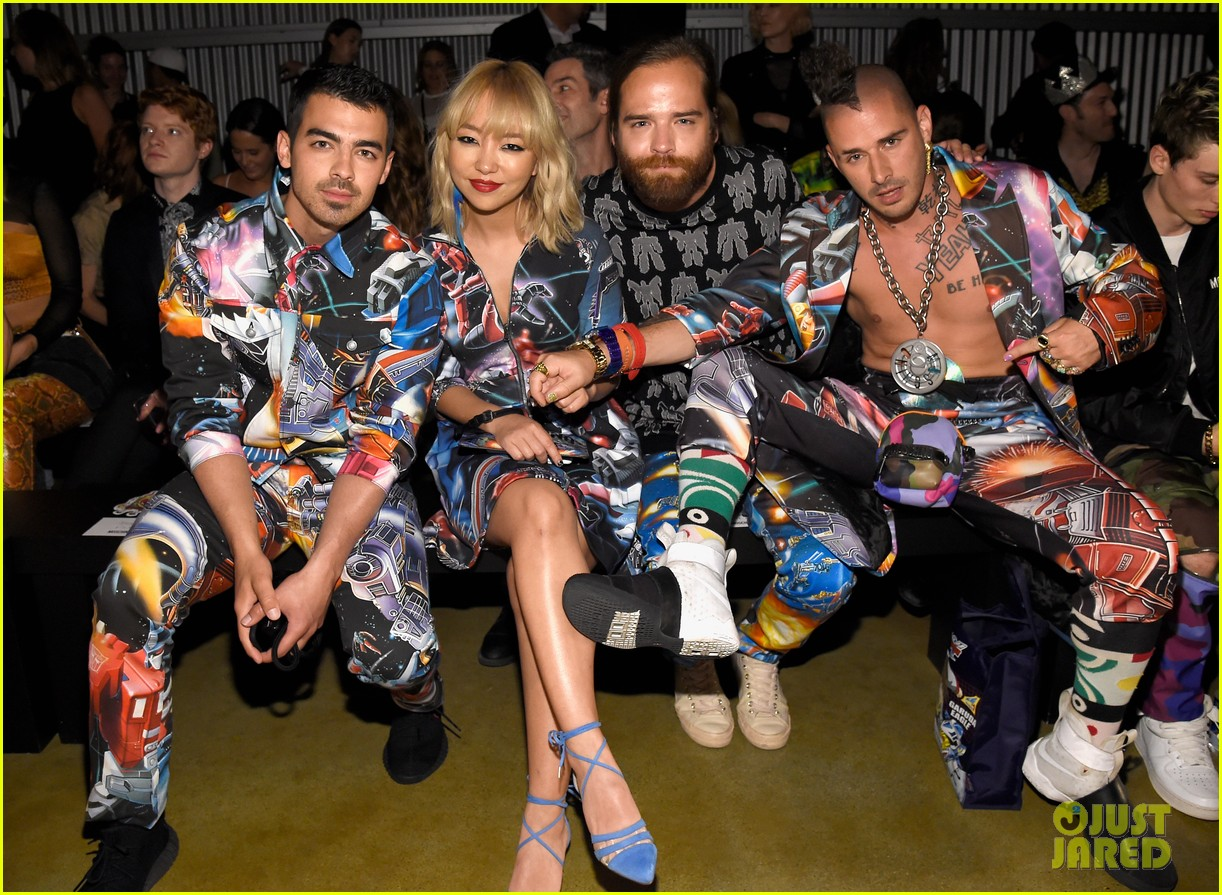 dnce match in out of this world outfits at moschino show 023911895