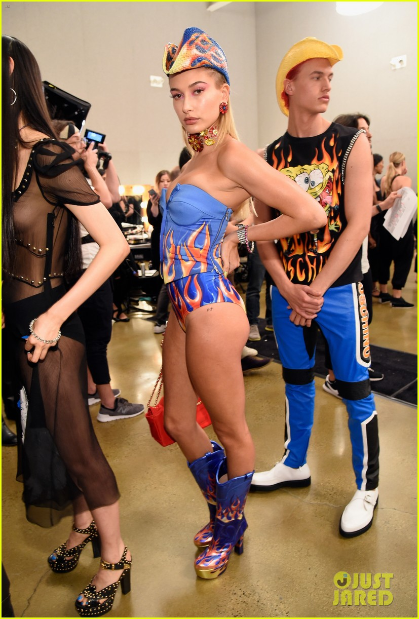 dnce match in out of this world outfits at moschino show 043911897