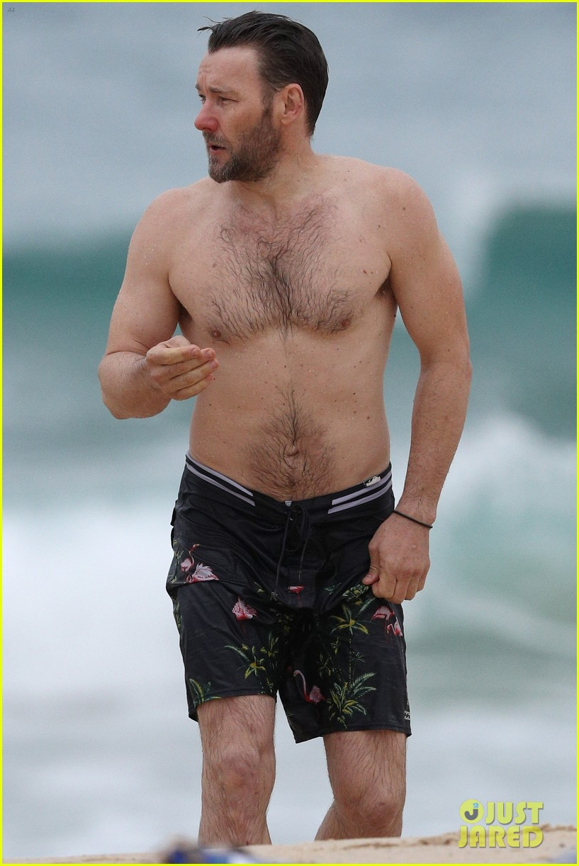 joel edgerton shirtless beach australia 013915146