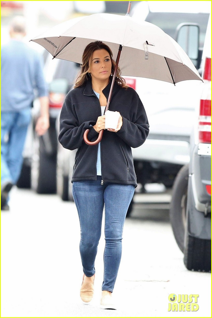 Eva longoria on the set of overboard in vancouver nudes (23 photo)