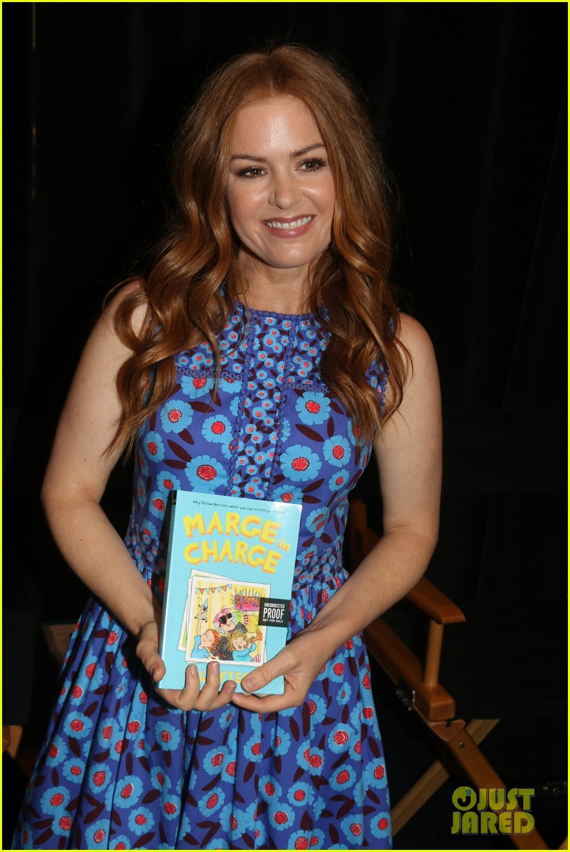 isla fisher and gabrielle union proudly promote their books 113908112