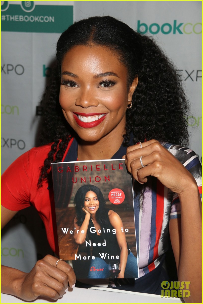 isla fisher and gabrielle union proudly promote their books 123908113