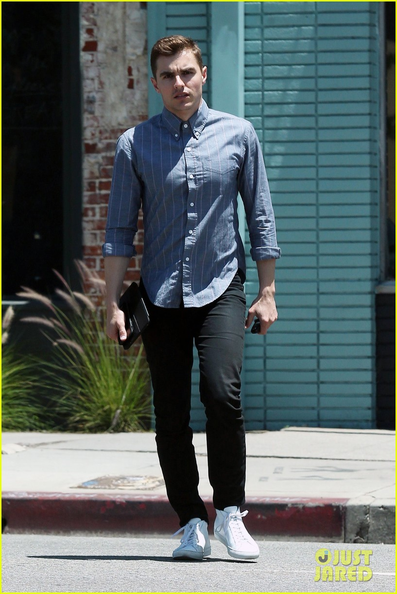 Dave franco steps out for a solo lunch in los feliz photo 3914736 dave franco steps out for a solo lunch in los feliz m4hsunfo