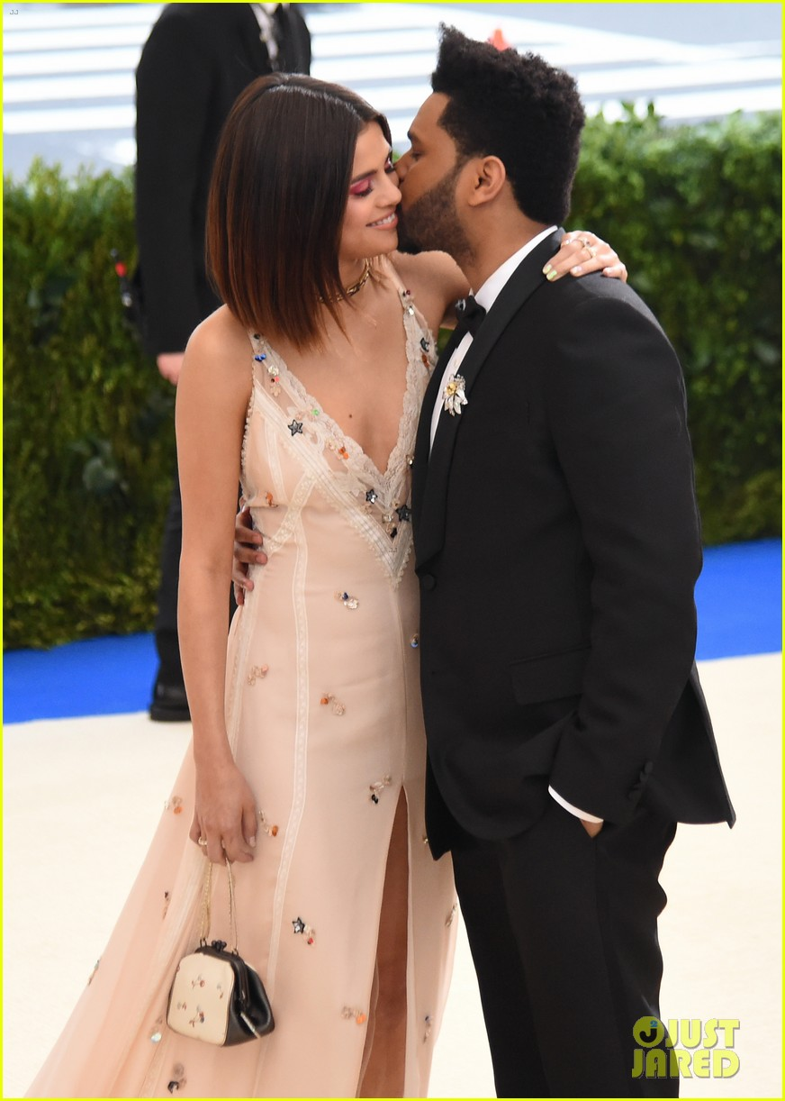 selena gomez explains why shes not hiding her romance with the weeknd 043912932