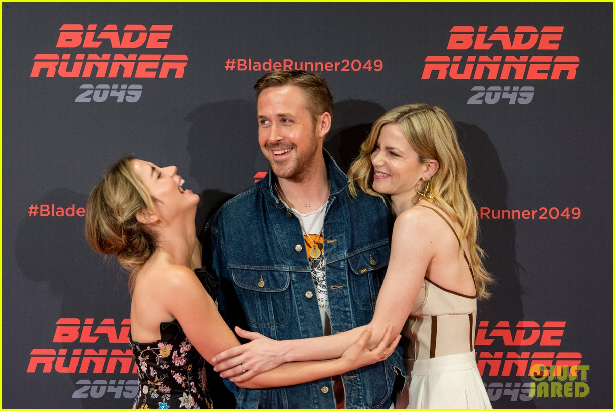 ryan gosling kicks off blade runner 2049 promo tour in spain 143916348