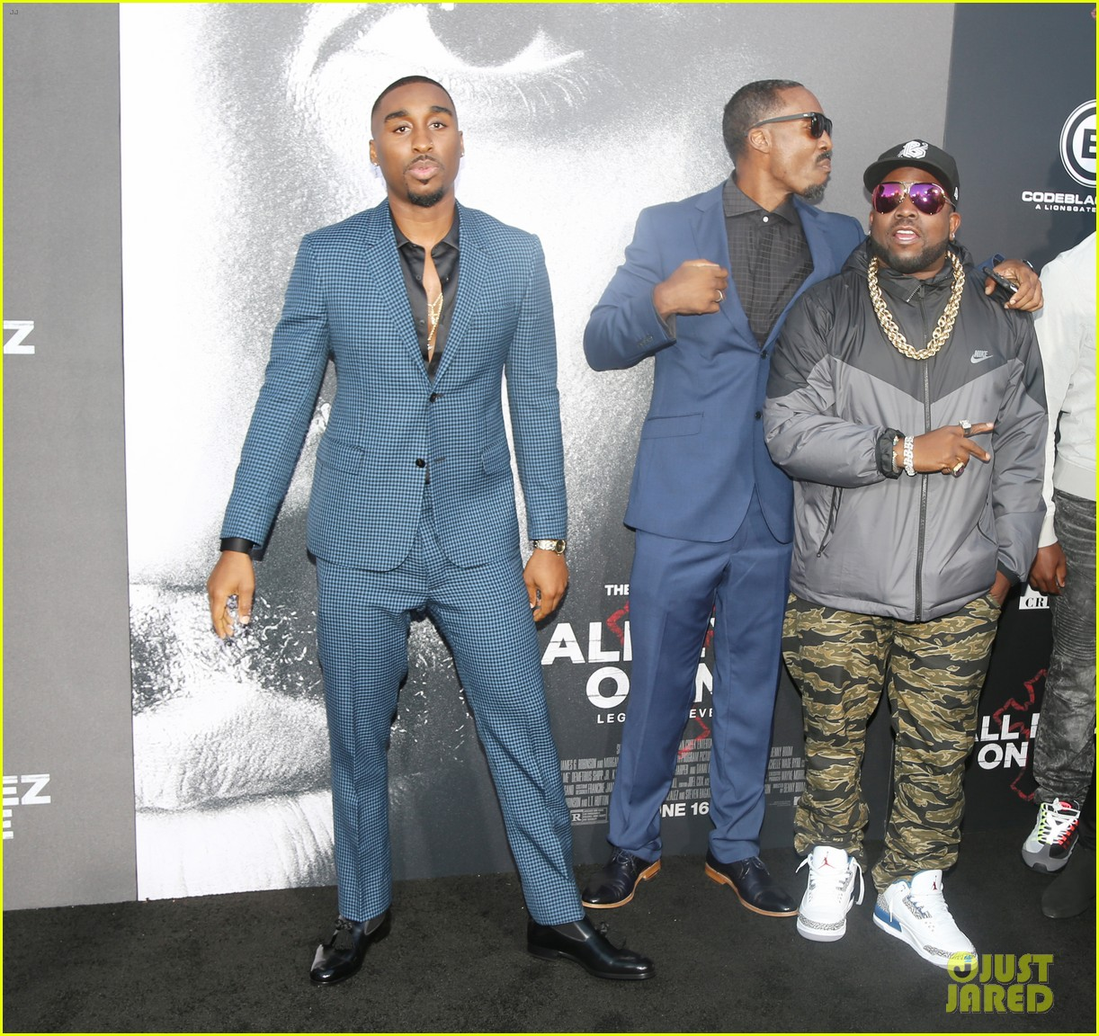 danai gurira kat graham join demetrius shipp jr at all eyez on me premiere 013914897