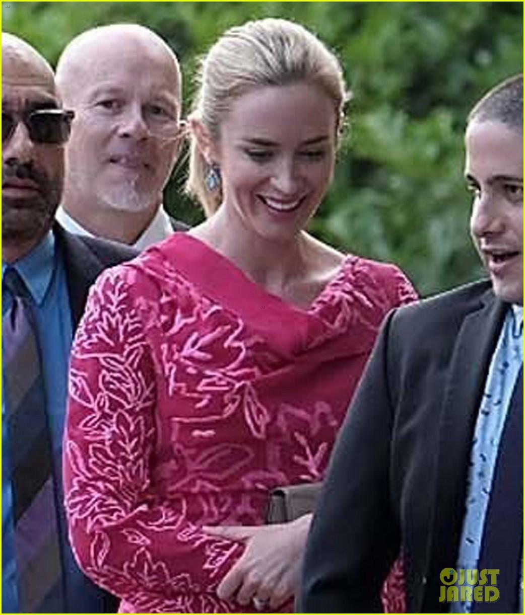 anne hathaway emily blunt jessica chastain wedding 023912202