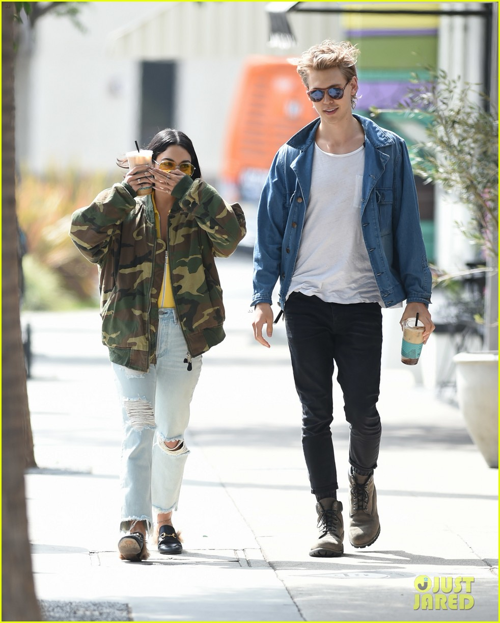 austin butler dating Do we dare hope for a zanessa reunion yep, a new report hints that the flame between vanessa hudgens and zac efron is.