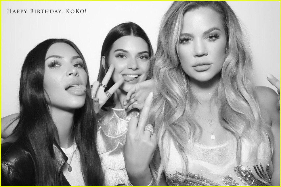 Kardashians share photo booth pics from khloes birthday party