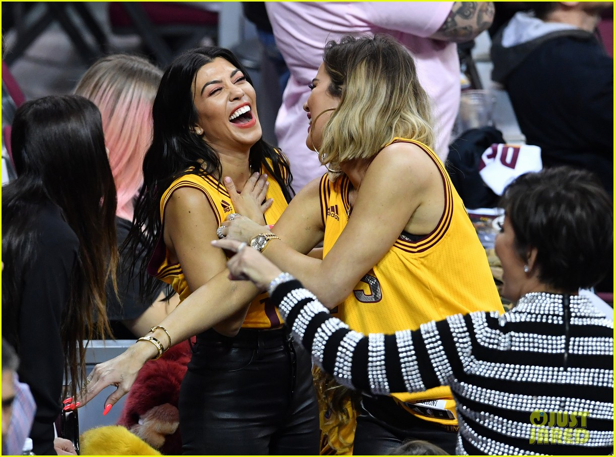 kourtney khloe kardashian watch the cavs win game 4 053912084