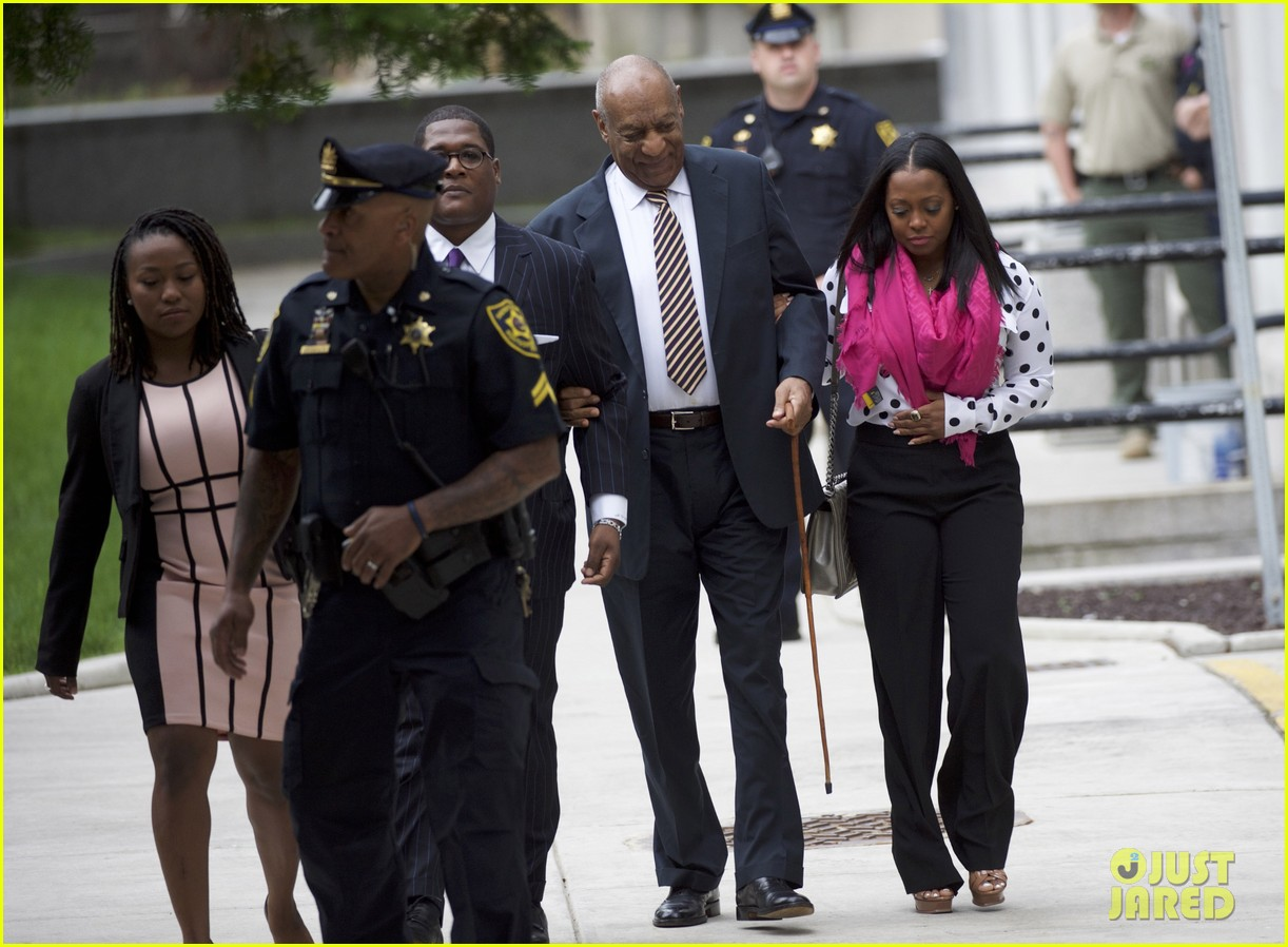 keshia knight pulliam defends bill cosby publicly 023914326