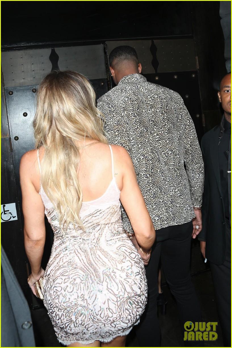 khloe kardashian boyfriend tristan thompson surprise birthday party 043919987