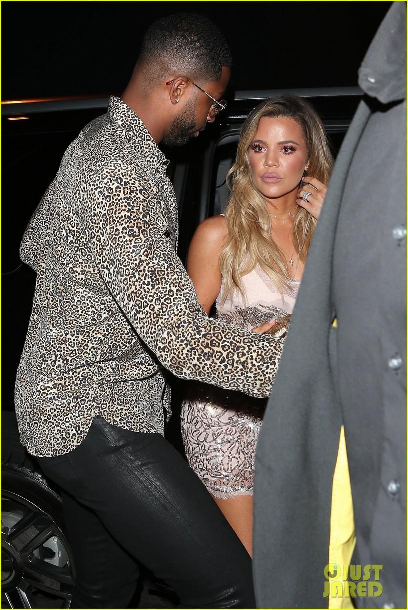 khloe kardashian boyfriend tristan thompson surprise birthday party 093919992